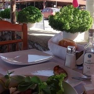 Οι Θεσσαλονικείς τρώνε - Η γαστρονομική ιστορία της πόλης