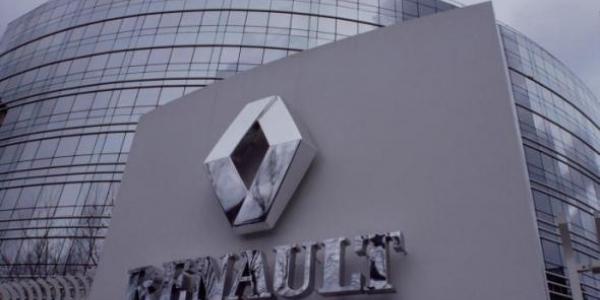15.000 οχήματα ανακαλεί  η Renault