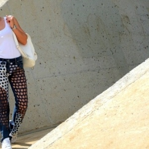 Το τζιν παντελόνι συστήνεται αλλιώς - Έκθεση στο Τελλόγλειο