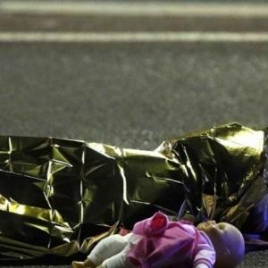 Νέα επίθεση στη Γαλλία: Φορτηγό έσπειρε το θάνατο στη Νίκαια