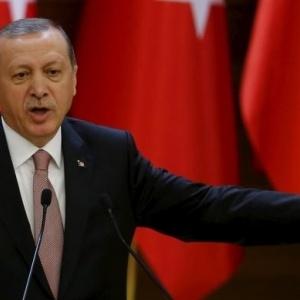 Ανατροπή: Καταρρέει το πραξικόπημα στην Τουρκία