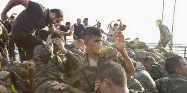 Μικρός εμφύλιος στην Τουρκία: Οι φουκαράδες στρατιώτες πλήρωσαν τη νύφη