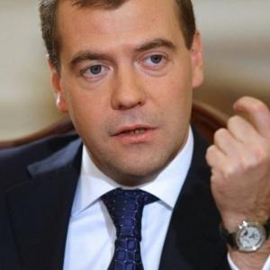 Ο Μεντβέντεφ αναγνωρίζει την κατεχόμενη Κύπρο ως