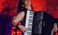 Η Ζωή Τηγανούρια συμπράττει με τη Συμφωνική Ορχήστρα του Δήμου Αθηναίων