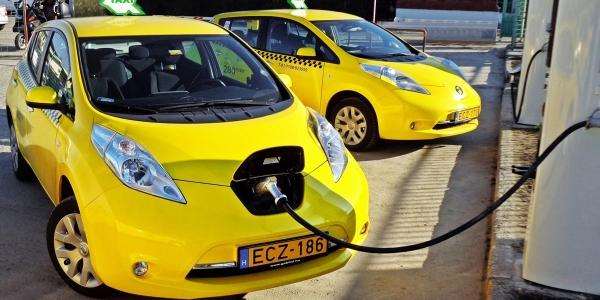 Ηλεκτρικά ταξί στη Θεσσαλονίκη   αν αλλάξει η νομοθεσία