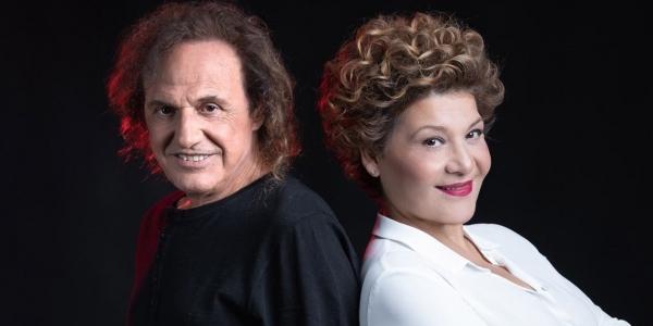 O Βασίλης Παπακωνσταντίνου και η Γιώτα Νέγκα μαζί  στο Stage Live