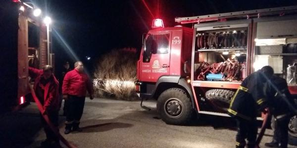 Στη μάχη με τις φλόγες οχήματα και προσωπικό του δήμου Νεάπολης-Συκεών