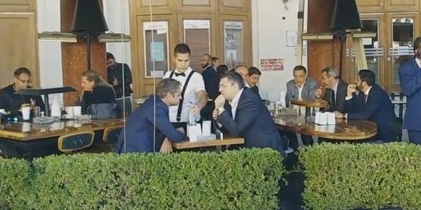 Στην Αριστοτέλους για καφέ  Μητσοτάκης- Τζιτζικώστας