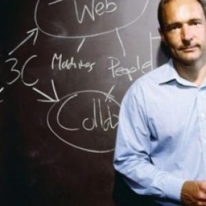 Οι τεχνολογικοί κολοσσοί ίσως να πρέπει να «σπάσουν» λέει ο «πατέρας του Web»