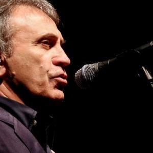Ο Γιώργος Νταλάρας με τη Συμφωνική Ορχήστρα του ΑΠΘ ερμηνεύει  «Άξιον Εστί»