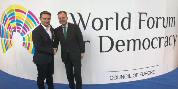 Ο δήμος Νεάπολης-Συκεών  στο Παγκόσμιο Φόρουμ για τη Δημοκρατία