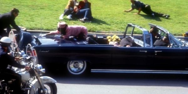 Η Τζάκι σκότωσε τον Τζον Κένεντι;