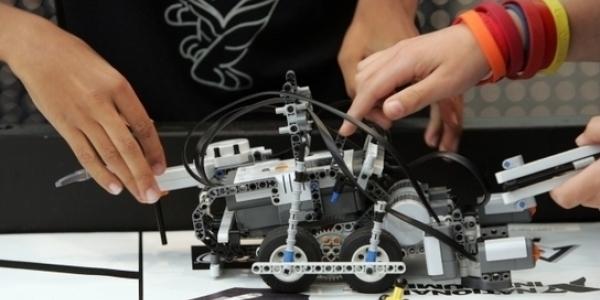 Εκπαιδευτική Ρομποτική για μαθητές από το Δήμο Καλαμαριάς