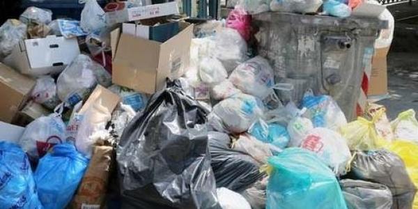 Τα σκουπίδια «πνίγουν» την Θεσσαλονίκη
