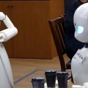 Η πρώτη καφετέρια με σερβιτόρους ρομπότ λειτουργεί στο Τόκιο