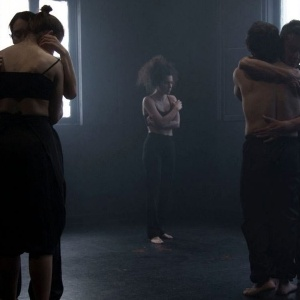 SILENCE SPEAKS - χοροθεατρική παράσταση