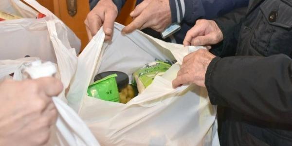 Συνεχίζεται η διανομή τροφίμων σε δικαιούχους του ΤΕΒΑ