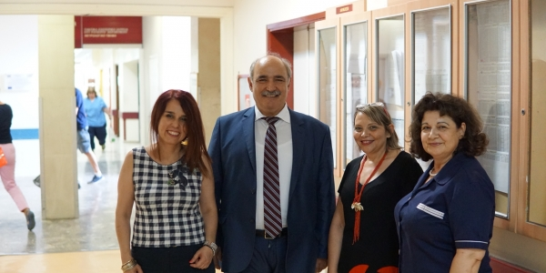 Επίσκεψη Μάρκου Μπόλαρη στο νοσοκομείο Άγιος Παύλος