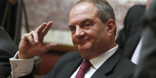Όταν ο Καραμανλής έλεγε «ναι» στον Μπους για το όνομα «Μακεδονία»