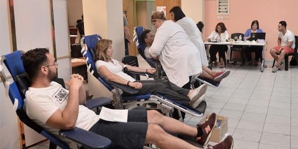 Με εκατοντάδες μονάδες αίματος ενισχύθηκε η Δημοτική Τράπεζα του δήμου Νεάπολης-Συκεών