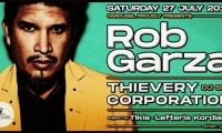 Ο Rob Garza των Thievery Corporation στο Carousel Beach Bar