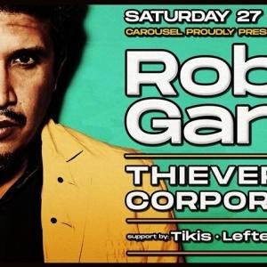Ο Rob Garza των Thievery Corporation στο Carousel Beach Bar