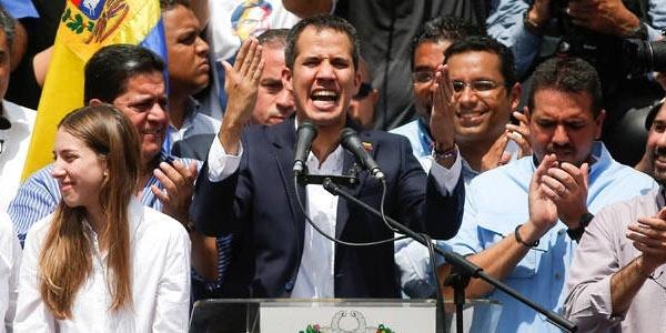 Η Ελλάδα αναγνωρίζει τον Γκουαϊδό ως μεταβατικό Πρόεδρο της Βενεζουέλας