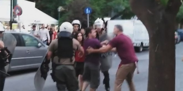 Η ΑΝΤΑΡΣΥΑ καταγγέλλει  ωμή αστυνομική βία κατά ειρηνικών διαδηλωτών  ενάντια στο airbnb