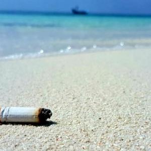 «Όχι αποτσίγαρα στην άμμο» - Εκστρατεία του δήμου Βόλβης κατά της ρύπανσης των ακτών