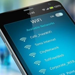 Συμβουλές από την devolo για ασφαλή σύνδεση σε δημόσια WiFi