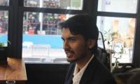 Ινδός φοιτητής κυκλοφορεί το SIGMag για την προώθηση της Θεσσαλονίκης σε όλο τον κόσμο