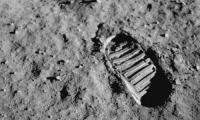 Ενα μικρό βήμα για τον άνθρωπο, ένα τεράστιο άλμα για την ανθρωπότητα