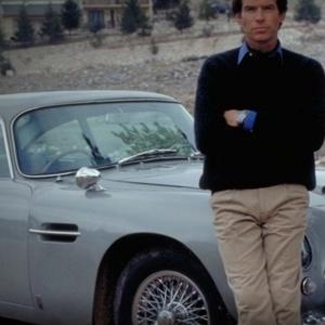 Πωλήθηκε σε δημοπρασία η θρυλική ασημένια Aston Martin DB5 του Τζέιμς Μποντ
