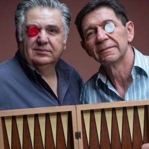 Ιεροκλής Μιχαηλίδης και Γεράσιμος Σκιαδαρέσης παίζουν «Το τάβλι»
