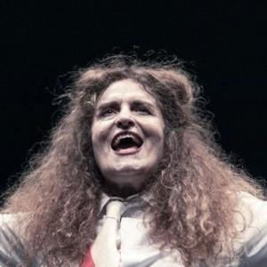 «Εκκλησιάζουσες - Η λαϊκή οπερέτα»  στο θέατρο Δάσους