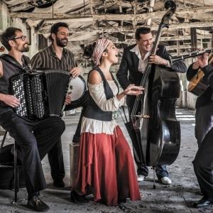 Barcelona Gipsy Balkan Orchestra σήμερα στη «Βαλκανική Πλατεία»