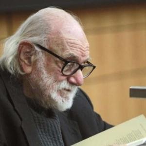 Πέθανε ο  ποιητής Νάνος Βαλαωρίτης