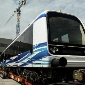 Καραμανλής ξήλωσε το τραμ, Καραμανλής* και το μετρό!