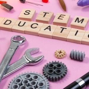 Εργαστήρια STEM - Μέρα γνωριμίας και ενημέρωσης (open day) στο ΝΟΗΣΙΣ