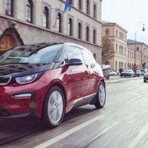 BMW: Κίνητρα για την αγορά των ηλεκτροκίνητων μοντέλων