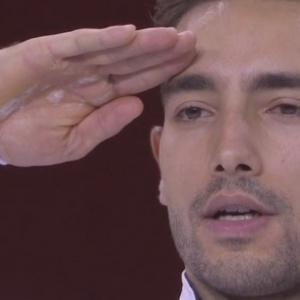 Τούρκοι αθλητές χαιρετούν στρατιωτικά σε επίσημες αθλητικές οργανώσεις