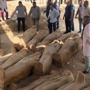 Αρχαιολόγοι ανακάλυψαν 20 άθικτες σαρκοφάγους στην Αίγυπτο