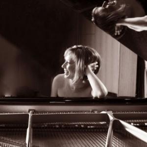 25 συνθέτες - 25 μινιατούρες για πιάνο από την Ερατώ Αλακιοζίδου