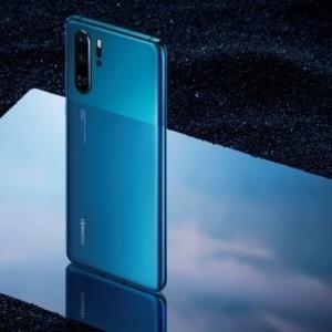 Tο νέο Huawei P30 Pro σε χρώμα Mystic Blue και στην ελληνική αγορά