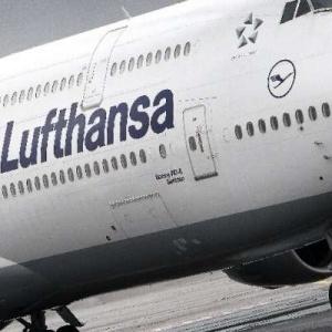 Χωρίς..  Lufthansa Πέμπτη και Παρασκευή