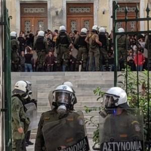 Η ΑΝΤΑΡΣΥΑ καταγγέλλει  βάρβαρη επίθεση των ΜΑΤ στην ΑΣΟΕΕ