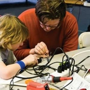 «Tinkering - Μαστορεύω και μαθαίνω» στο ΝΟΗΣΙΣ
