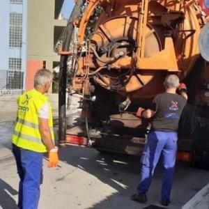 Καθαρίζει τα φρεάτια ο Δήμος Δέλτα