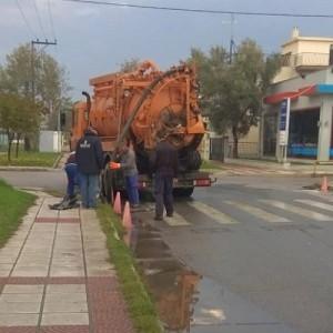 Πλημμύρισαν αγροτικοί δρόμοι στο Καλοχώρι λόγω έλλειψης αποχετευτικού