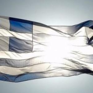 Αστυνομικός εκτός υπηρεσίας  έκαψε την ελληνική σημαία στα Πατήσια